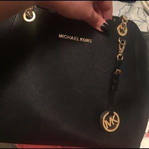 Beautiful gently used condition Michael Kors bag